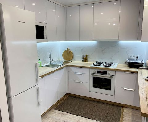 Кухня с мебельными фасадами от Полифасад